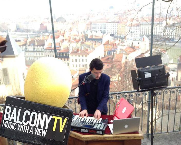 Balcony Tv Lon
